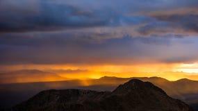 Solnedgång på Front Range arkivfoto