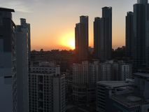 Solnedgång på Haeundae, Busan, Sydkorea Royaltyfri Fotografi