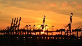 Solnedgång på hamnen Arkivfoton