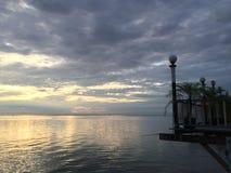 Solnedgång på havet Arkivfoton