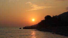 Solnedgång på havet arkivfilmer