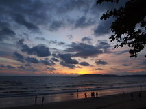 Solnedgång på havet royaltyfria bilder
