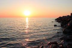 Solnedgång på havet i Kroatien Arkivbilder
