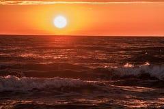 Solnedgång på havskusten, Royaltyfria Bilder
