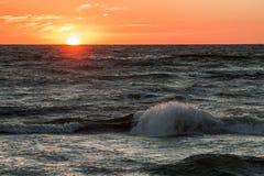 Solnedgång på havskusten, Royaltyfria Foton