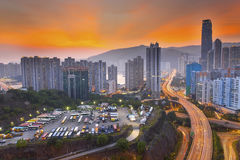 Solnedgång på huvudvägen i Hong Kong Royaltyfri Bild