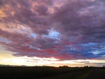 Solnedgång på Innisfail Royaltyfri Bild