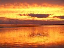 Solnedgång på inverlochstranden Royaltyfri Bild