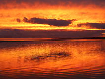 Solnedgång på inverlochstranden Royaltyfri Fotografi