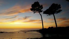 Solnedgång på Kalifornien norrkust Arkivfoton