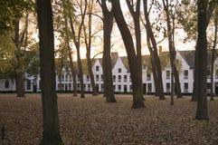 Solnedgång på kloster i Bruges Belgien Fotografering för Bildbyråer