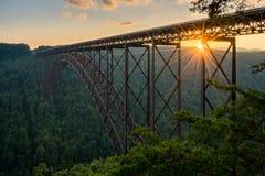 Solnedgång på klyftabron för ny flod i West Virginia Royaltyfria Bilder