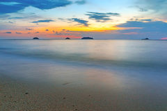 Solnedgång på Koh Chang, Thailand Arkivfoto