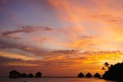 Solnedgång på kusten Arkivfoton