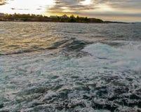 Solnedgång på kusten Fotografering för Bildbyråer