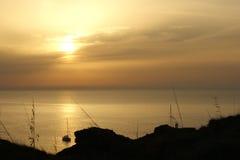 Solnedgång på kusten av Menorca royaltyfri foto
