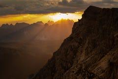 Solnedgång på Lagazuoi royaltyfri fotografi