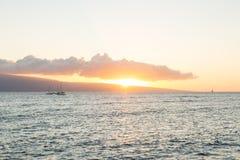 Solnedgång på Lahaina, Hawaii Arkivbild