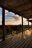 Solnedgång på lantgården Arkivfoton