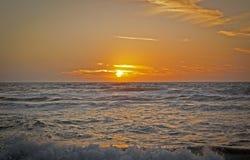 Solnedgång på medelhavet Arkivbild