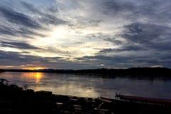 Solnedgång på Mekong River Arkivbilder