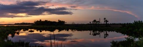Solnedgång på Merritt Island National Wildlife Refuge, Florida Arkivbilder
