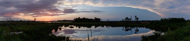 Solnedgång på Merritt Island National Wildlife Refuge, Florida Royaltyfria Foton