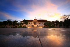 Solnedgång på monumentet för tre konungar royaltyfria bilder