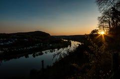 Solnedgång på moselen Arkivbild