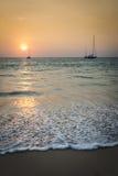 Solnedgång på Nai Yang Beach, Phuket, Thailand Arkivbilder