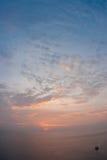Solnedgång på Nay Harn på den Phuket ön i Thailand fotografering för bildbyråer