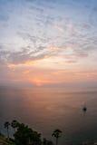 Solnedgång på Nay Harn, Phuket, Thailand arkivfoton
