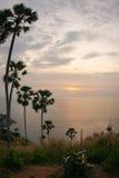 Solnedgång på Nay Harn, Phuket, Thailand royaltyfri foto