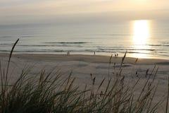 Solnedgång på Nordsjön Arkivbilder