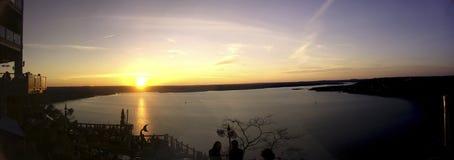 Solnedgång på oasen Royaltyfria Foton