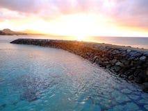 Solnedgång på Okinawa Cape Busena arkivbild