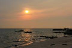 Solnedgång på pang Saen Arkivfoton
