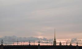 Solnedgång på Peter och Paul Fortress Arkivfoto