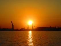 Solnedgång på porten Royaltyfria Foton