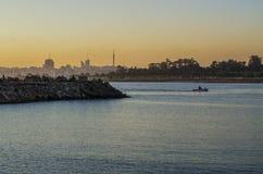 Solnedgång på porten i Montevideo Royaltyfri Bild