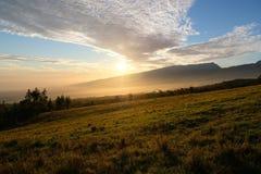 Solnedgång på Reunionet Island arkivfoto