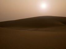 Solnedgång på sanddyn Royaltyfri Bild