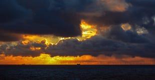 Solnedgång på se Royaltyfri Fotografi