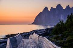 Solnedgång på Senja, Norge Royaltyfri Bild