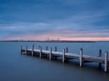 Solnedgång på sjön Alexandrina, Milang Arkivfoto