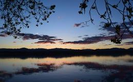Solnedgång på sjön Loveland royaltyfri foto