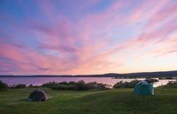 Solnedgång på sjön Myvatn i nordliga Island royaltyfria bilder