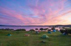 Solnedgång på sjön Myvatn i nordliga Island arkivfoton