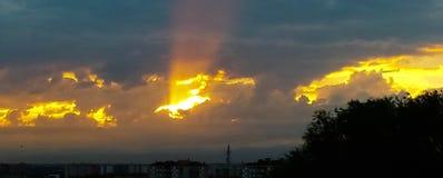 Solnedgång på staden, Milan Royaltyfri Fotografi