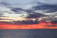 Solnedgång på Stilla havet Royaltyfri Fotografi